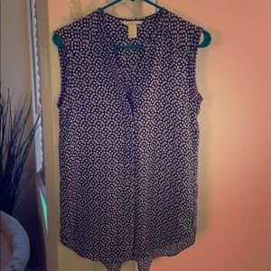 Blue and cream sleeveless H&M blouse, size 6